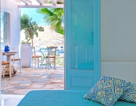 Ornos Blue Guesthouse