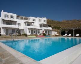 Yakinthos Residence